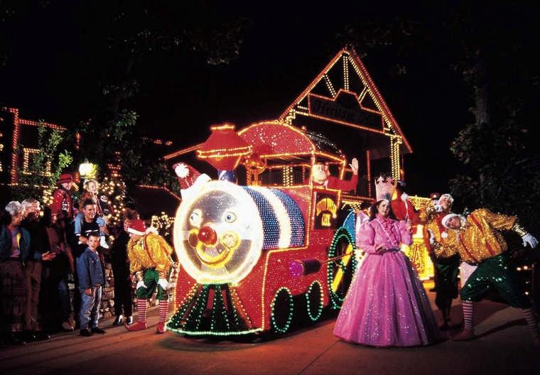 Christmas Events: Smoky Mountain Christmas at Dollywood ...