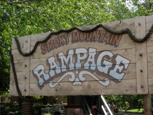 088 300x225 A Day at Dollywood July 2012