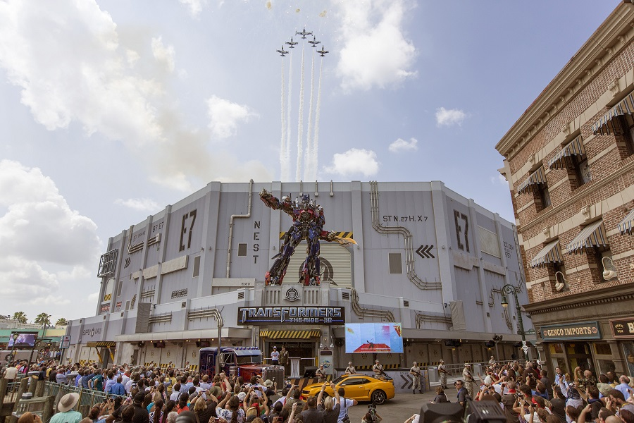 Universal Orlando today marked the grand opening of TRANSFORMERS: The Ride Ð 3D.