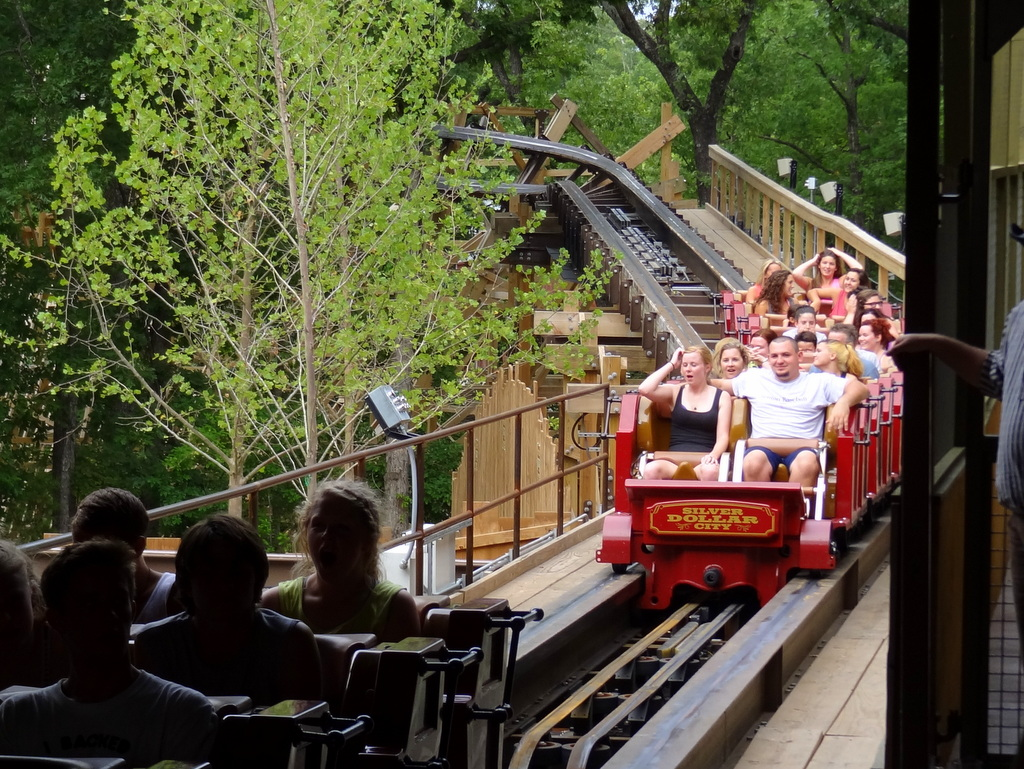 outlaw run in the dark review coaster101