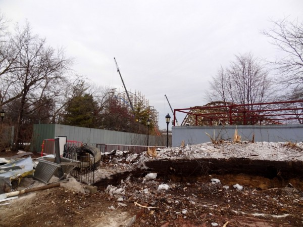 011 600x449 Goliath Construction at Six Flags Great America