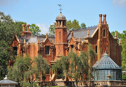 haunted_mansion_at_disneys_magic_kingdom