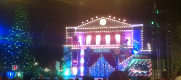 A little tough to see, but the courthouse stage was heavily decorated for the holiday show.