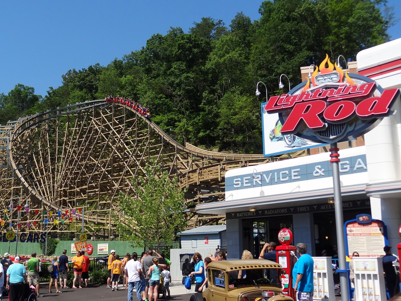Lightning Rod Review Dollywood Launched Wooden Coaster Coaster101