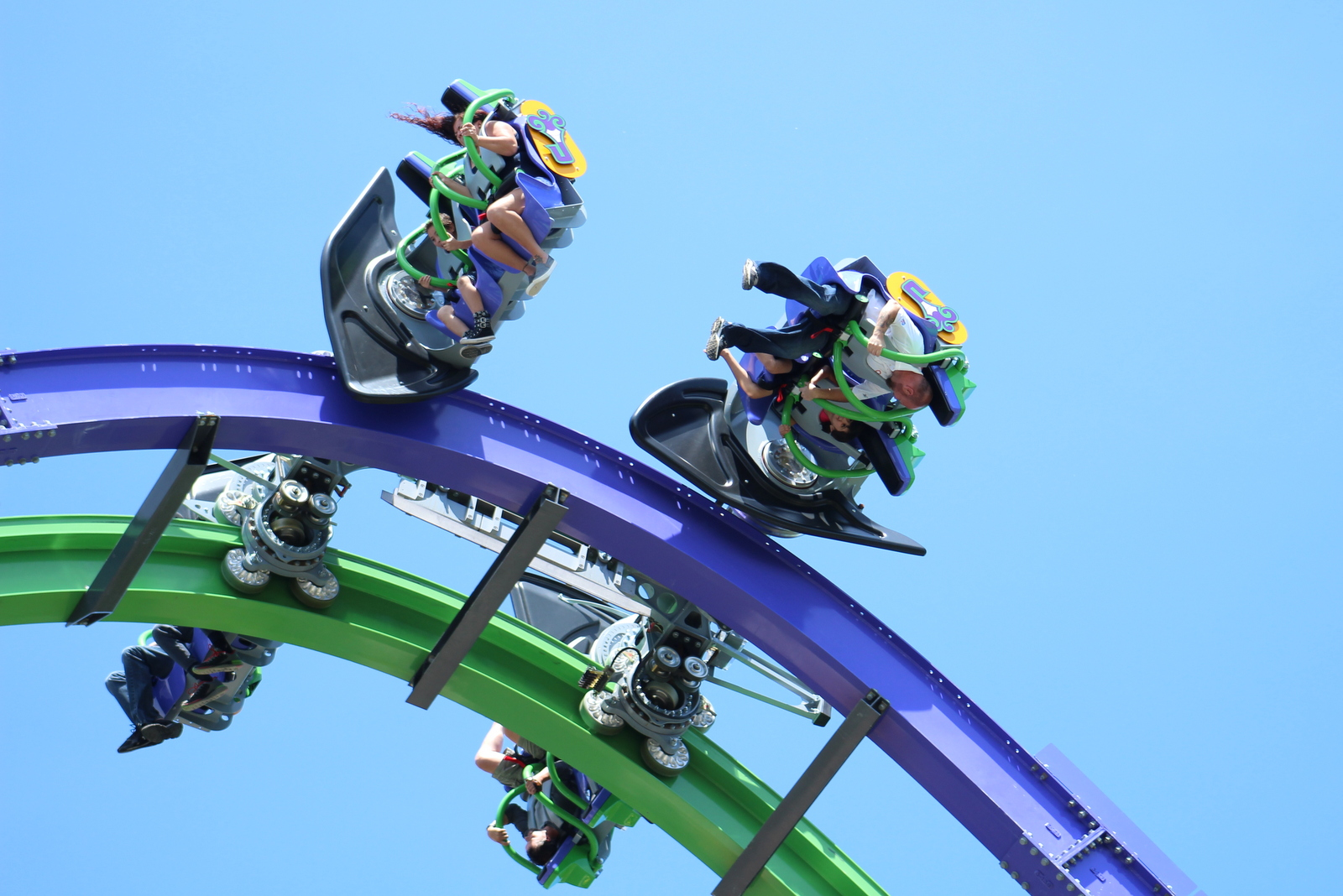 Review Joker at Six Flags Great America Coaster101