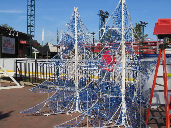 Quot It S Beginning To Look A Lot Like Christmas Quot As Carowinds