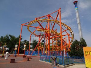 10 Tips and Tricks to Make Your Trip to Carowinds with Kids Awesome Kerry Egan Carowinds calls itself the Thrill Capital of the Southeast, and it has the massive roller coasters to back up that claim.