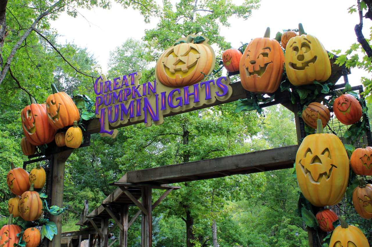 Dollywood Halloween Pictures Contest 2020 Dollywood Prepares for Great Pumpkin LumiNights 2020   Coaster101